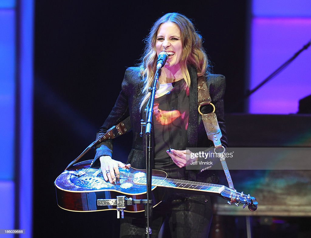 Emily Robison Dixie Chicks Perform At Rogers Arena Photos And Images Getty Images