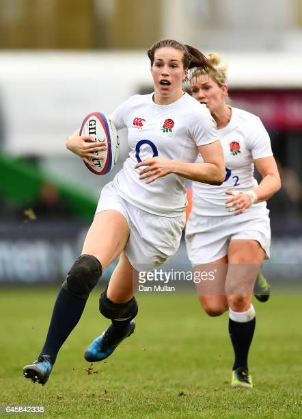 Emily Scarratt of England makes a break during the RBS Womens Six Nations match between England and Italy at Twickenham Stoop on February 25 2017 in...