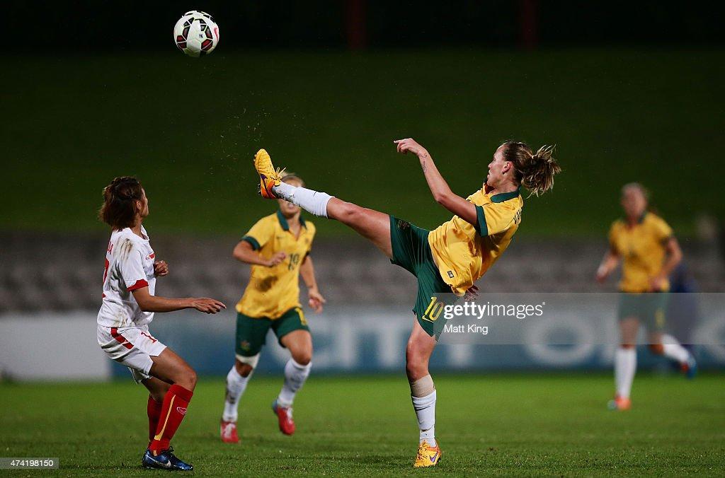 Emily van Egmond of the Matildas controls the ball during the international women's friendly match between the Australian Matildas and Vietnam at WIN...