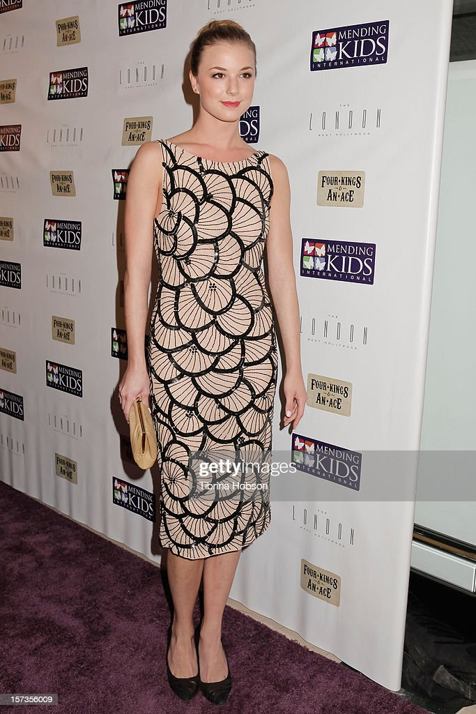 Emily VanCamp attends the Mending Kids International celebrity poker tournament at The London Hotel on December 1, 2012 in West Hollywood, California.