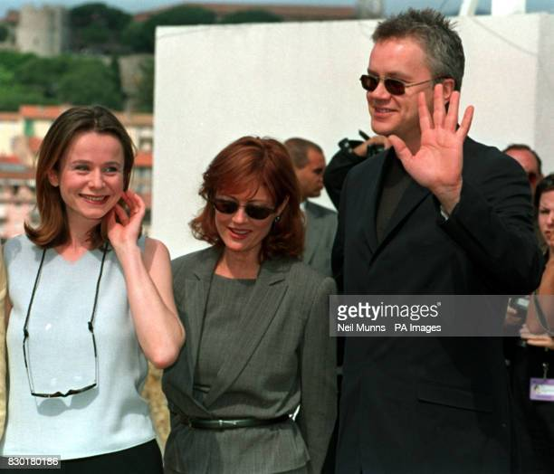 Emily Watson Susan Sarandon and Director Tim Robbins at a photocall on the rooftop of the Palais des Festivalsin Cannes for Robbins' latest movie...