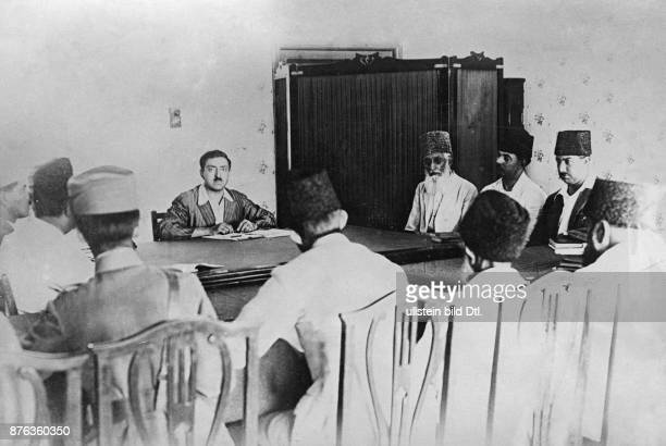 Emir King of Afghanistan Amanullah Khan with his ministers in a meeting Vintage property of ullstein bild
