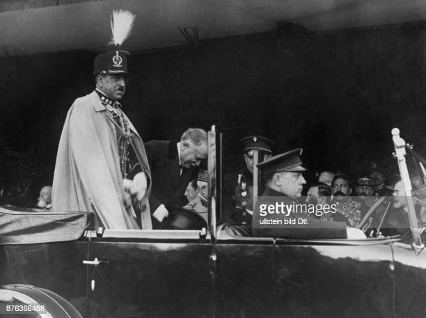 Emir King of Afghanistan Amanullah Khan´s travel to Europe here France The royal couple arrives at the railway station Bois de Boulogne in Paris...