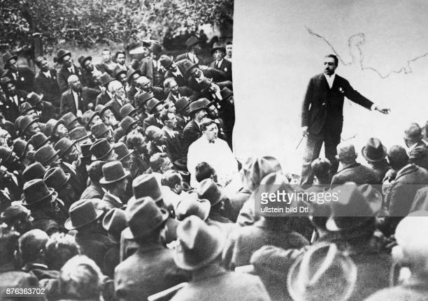 Emir King of Afghanistan King Amanullah Khan explains his reform plans to the nation after his travel through Europe Vintage property of ullstein bild