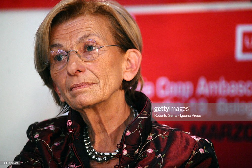 <a gi-track='captionPersonalityLinkClicked' href=/galleries/search?phrase=Emma+Bonino&family=editorial&specificpeople=539913 ng-click='$event.stopPropagation()'>Emma Bonino</a>, ex EU Commissar for Humanitarian unveils her book 'I Doveri Della Liberta' at Ambasciatori Bookshop on March 12, 2012 in Bologna, Italy.