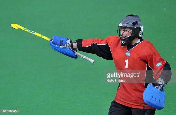 AFRICA JANUARY 28 Emma Gray of Ireland directs the defence during the Investec Series Womens International Hockey match between South Africa and...