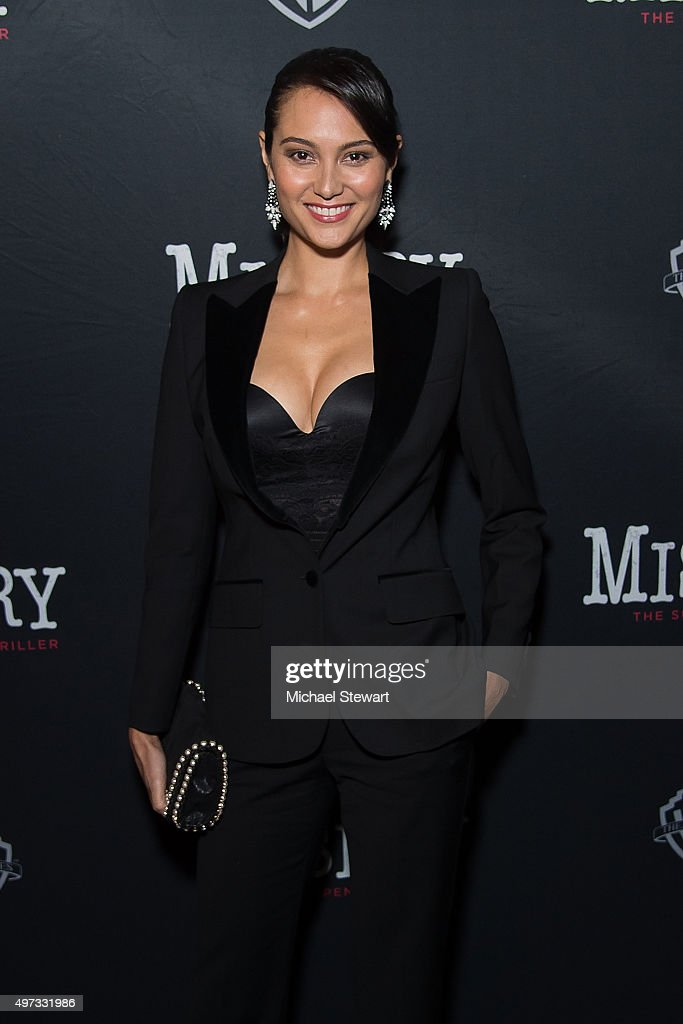 Emma Heming Willis attends 'Misery' Broadway opening night at The Broadhurst Theatre on November 15, 2015 in New York City.