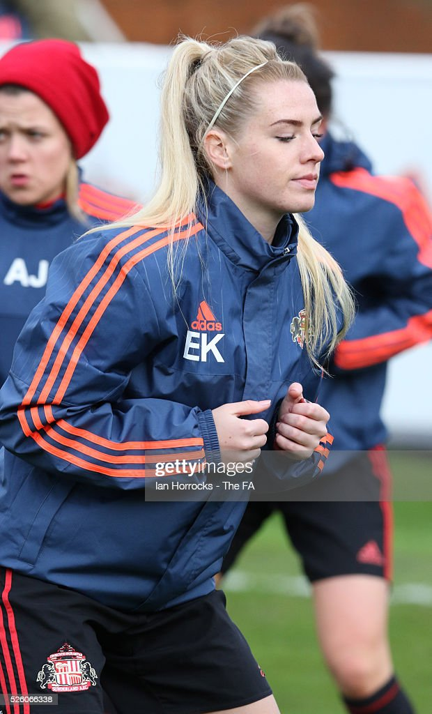 Emma Kelly of Sunderland warms up before the WSL 1 match between Sunderland AFC Ladies and Manchester City Women at The Hetton Center on April 29, 2016 in Hetton, England.