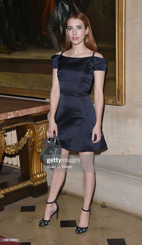<a gi-track='captionPersonalityLinkClicked' href=/galleries/search?phrase=Emma+Roberts&family=editorial&specificpeople=226535 ng-click='$event.stopPropagation()'>Emma Roberts</a> arrives for the Christian Dior showcase of its spring summer 2017 Cruise collection at Blenheim Palace on May 31, 2016 in Woodstock, England.