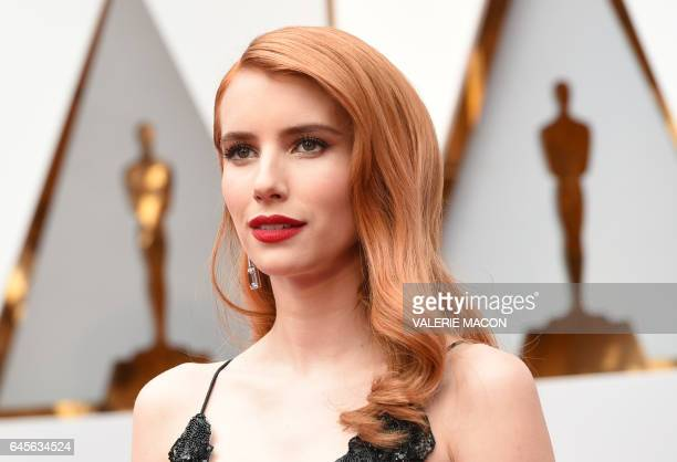 Emma Roberts arrives on the red carpet for the 89th Oscars on February 26 2017 in Hollywood California / AFP / VALERIE MACON