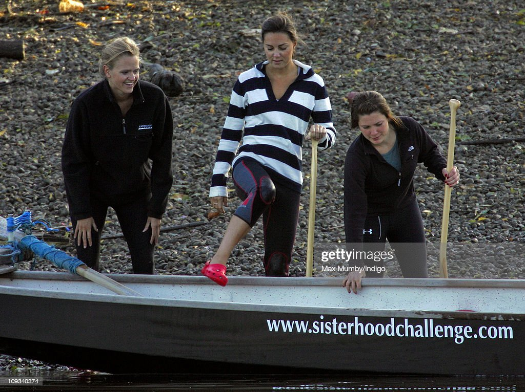 emma-sayle-and-kate-middleton-take-part-in-a-training-session-with-picture-id109340374