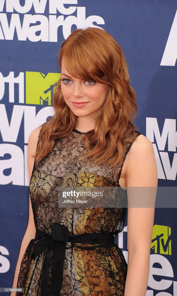 <a gi-track='captionPersonalityLinkClicked' href=/galleries/search?phrase=Emma+Stone&family=editorial&specificpeople=672023 ng-click='$event.stopPropagation()'>Emma Stone</a> attends the 2011 MTV Movie Awards on June 5, 2011 in Universal City, California.