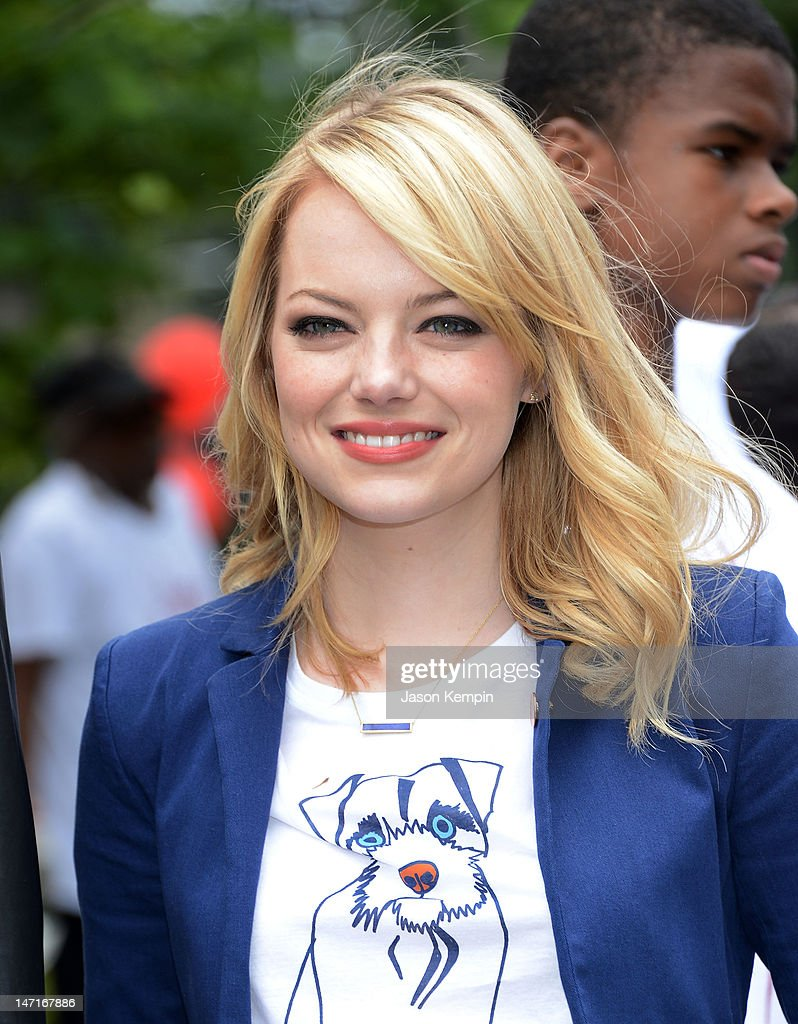 Emma Stone attends the 'Be Amazing' Stand Up Volunteer Initiative at Madison Boys And Girls Club on June 26, 2012 in the Brooklyn borough of New York City.