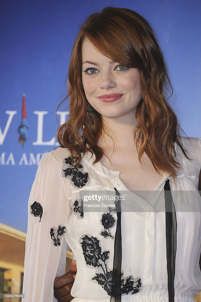Emma Stone poses at 'The Help' Photocall during 37th Deauville American Film Festival on September 3, 2011 in Deauville, France.