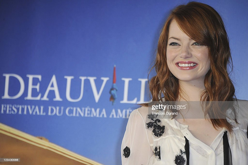 <a gi-track='captionPersonalityLinkClicked' href=/galleries/search?phrase=Emma+Stone&family=editorial&specificpeople=672023 ng-click='$event.stopPropagation()'>Emma Stone</a> poses at 'The Help' Photocall during 37th Deauville American Film Festival on September 3, 2011 in Deauville, France.