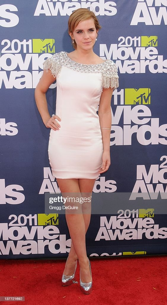 <a gi-track='captionPersonalityLinkClicked' href=/galleries/search?phrase=Emma+Watson&family=editorial&specificpeople=171373 ng-click='$event.stopPropagation()'>Emma Watson</a> arrives at the 2011 MTV Movie Awards at the Gibson Amphitheatre on June 5, 2011 in Universal City, California.