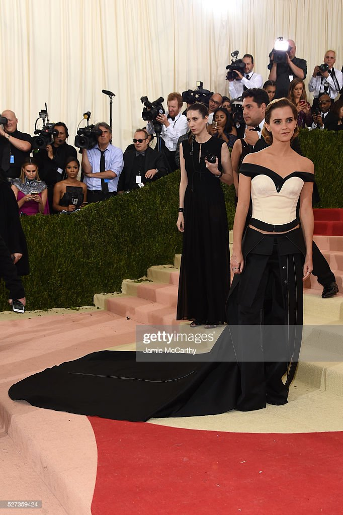 Emma Watson attends the 'Manus x Machina: Fashion In An Age Of Technology' Costume Institute Gala at Metropolitan Museum of Art on May 2, 2016 in New York City.
