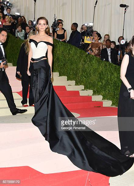 Emma Watson attends the 'Manus x Machina Fashion in an Age of Technology' Costume Institute Gala at the Metropolitan Museum of Art on May 2 2016 in...