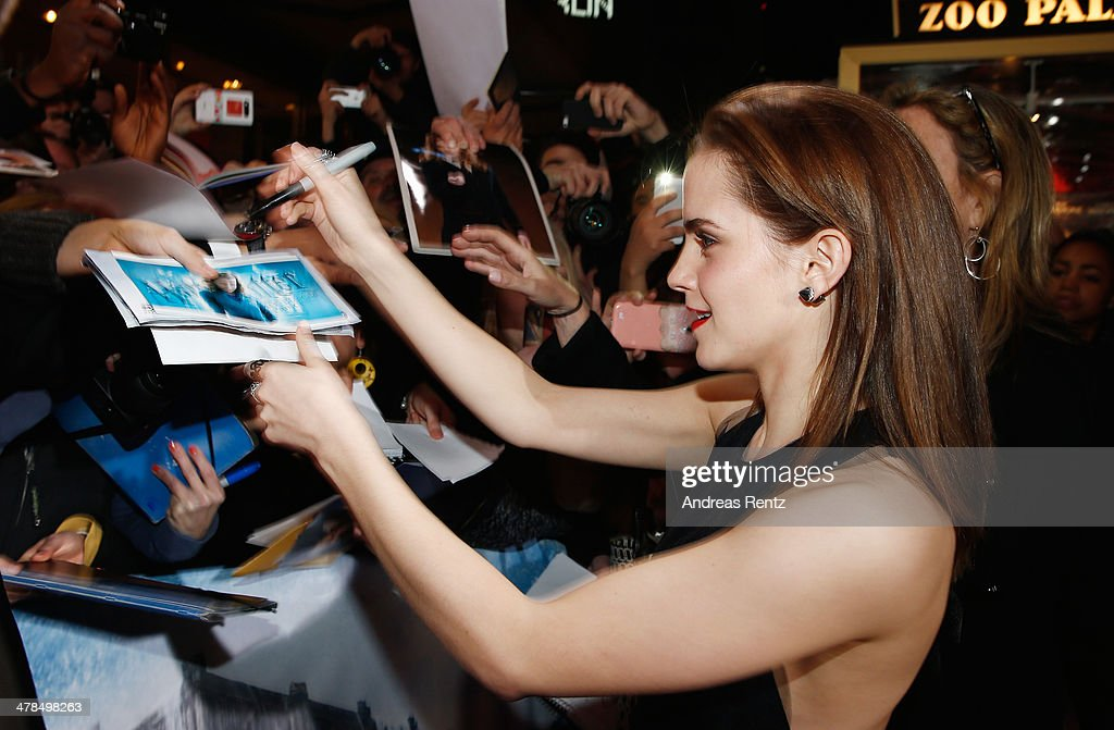 <a gi-track='captionPersonalityLinkClicked' href=/galleries/search?phrase=Emma+Watson&family=editorial&specificpeople=171373 ng-click='$event.stopPropagation()'>Emma Watson</a> attends the premiere of Paramount Pictures' 'NOAH' at Zoo Palast on March 13, 2014 in Berlin, Germany.