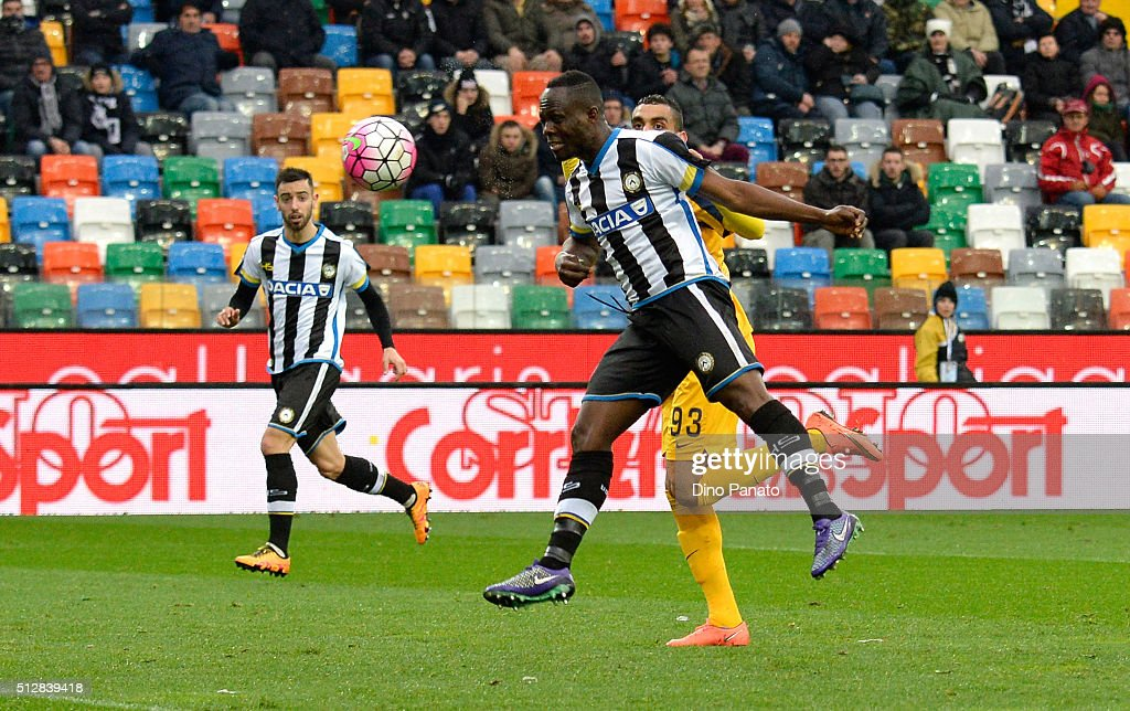 Emmanuel Agyemang Badu of Udinese Calcio scores his opening goal during the Serie A match between Udinese Calcio and Hellas Verona FC at Stadio Friuli on February 28, 2016 in Udine, Italy.