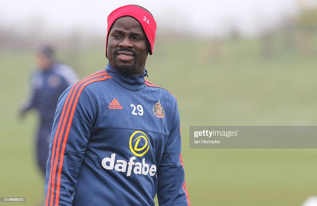 <a gi-track='captionPersonalityLinkClicked' href=/galleries/search?phrase=Emmanuel+Eboue&family=editorial&specificpeople=564874 ng-click='$event.stopPropagation()'>Emmanuel Eboue</a> during a Sunderland training session at the Academy of Light on March 15, 2016 in Sunderland, England.