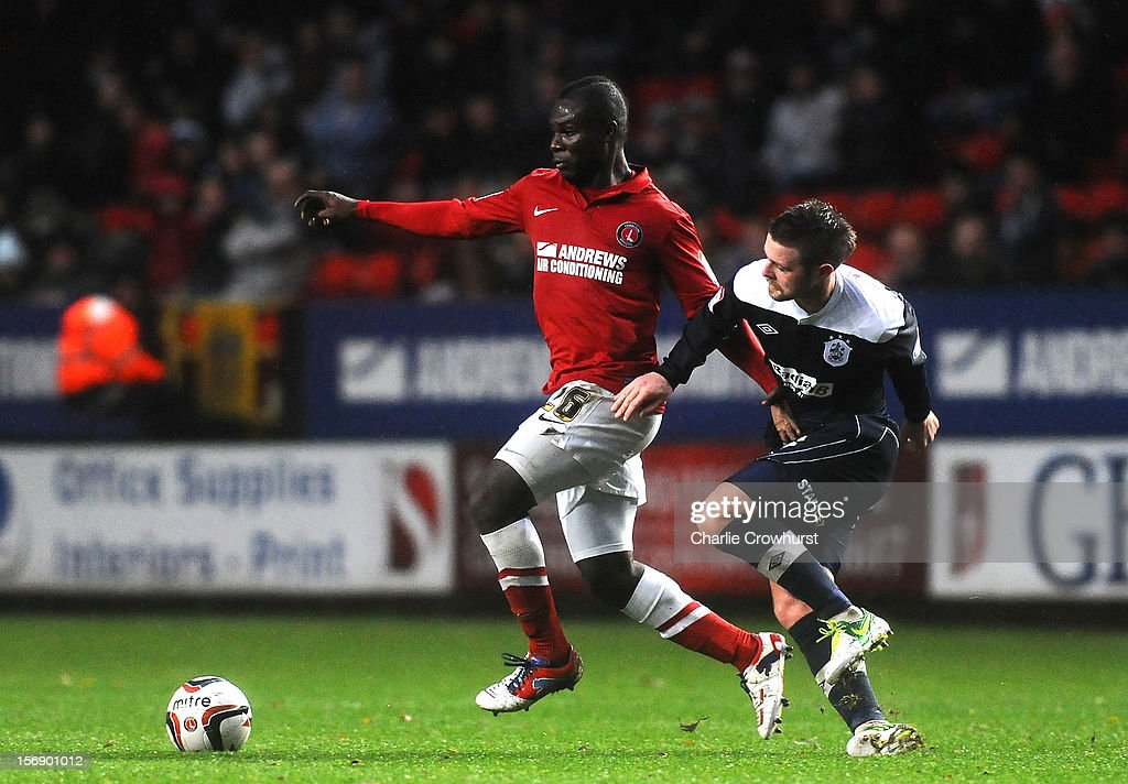 <a gi-track='captionPersonalityLinkClicked' href=/galleries/search?phrase=Emmanuel+Frimpong&family=editorial&specificpeople=5014743 ng-click='$event.stopPropagation()'>Emmanuel Frimpong</a> of Charlton attacks during the npower Championship match between Charlton Athletic and Huddersfield Town at The Valley on November 24, 2012 in London, England.