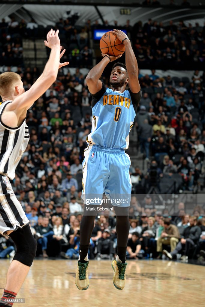 Emmanuel Mudiay #0 of the Denver Nuggets shoots the ball during the game against the San Antonio Spurs on February 4, 2017 at the AT&T Center in San Antonio, Texas.