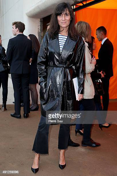 Emmanuelle Alt arrives at the Celine show as part of the Paris Fashion Week Womenswear Spring/Summer 2016 on October 4 2015 in Paris France