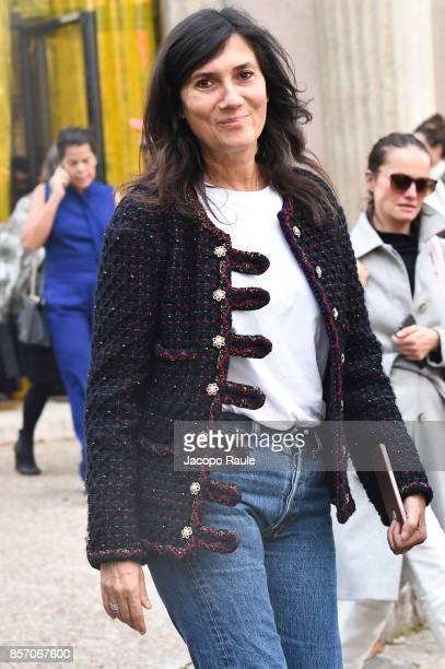 Emmanuelle Alt is seen arriving at Miu Miu show during Paris Fashion Week Womenswear Spring/Summer 2018 on October 3 2017 in Paris France