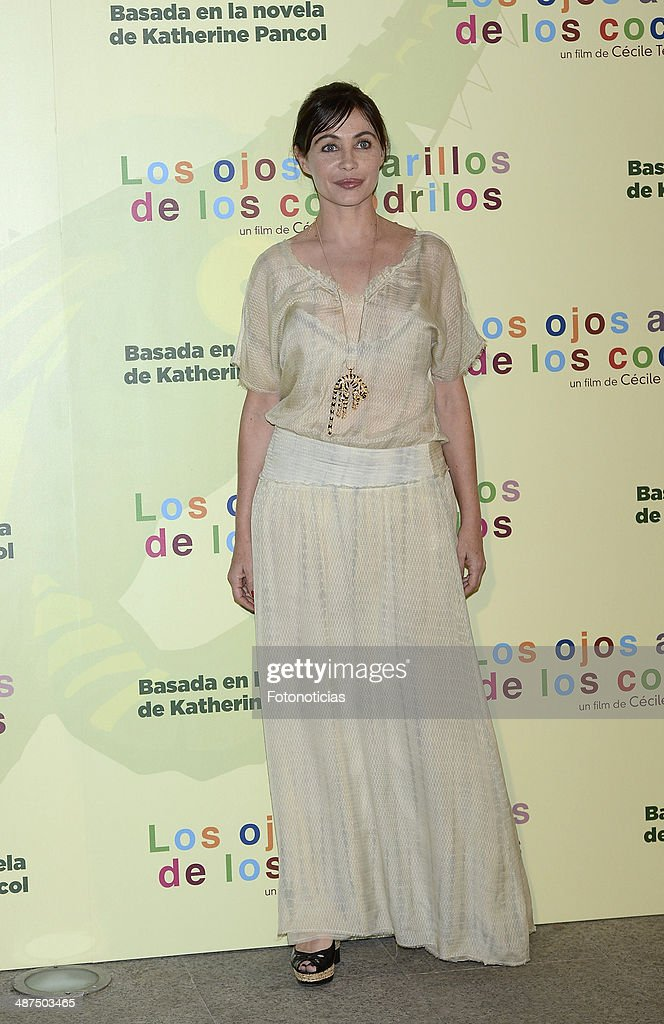 <a gi-track='captionPersonalityLinkClicked' href=/galleries/search?phrase=Emmanuelle+Beart&family=editorial&specificpeople=171374 ng-click='$event.stopPropagation()'>Emmanuelle Beart</a> attends the 'Los Ojos Amarillos de los Cocodrilos' premiere the Academia del Cine on April 30, 2014 in Madrid, Spain.