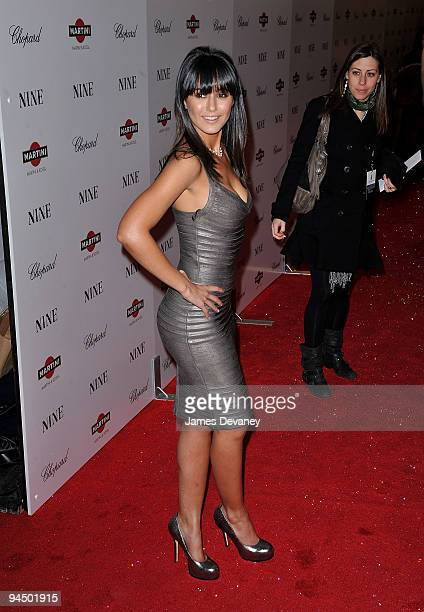 Emmanuelle Chriqui attends the New York premiere of 'Nine' at the Ziegfeld Theatre on December 15 2009 in New York City