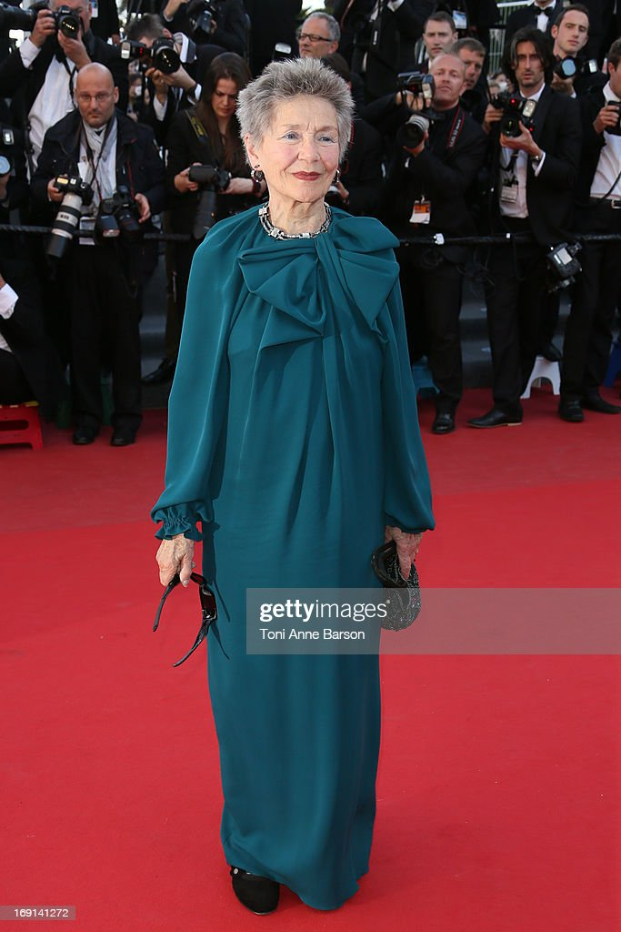 <a gi-track='captionPersonalityLinkClicked' href=/galleries/search?phrase=Emmanuelle+Riva&family=editorial&specificpeople=2029319 ng-click='$event.stopPropagation()'>Emmanuelle Riva</a> attends the Premiere of 'Blood Ties' during the 66th Annual Cannes Film Festival at the Palais des Festivals on May 20, 2013 in Cannes, France.