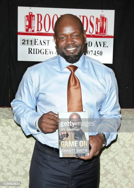Emmitt Smith promotes 'Game On Find Your Purpose Pursue Your Dream' at the Bookends Bookstore on September 6 2011 in Ridgewood New Jersey