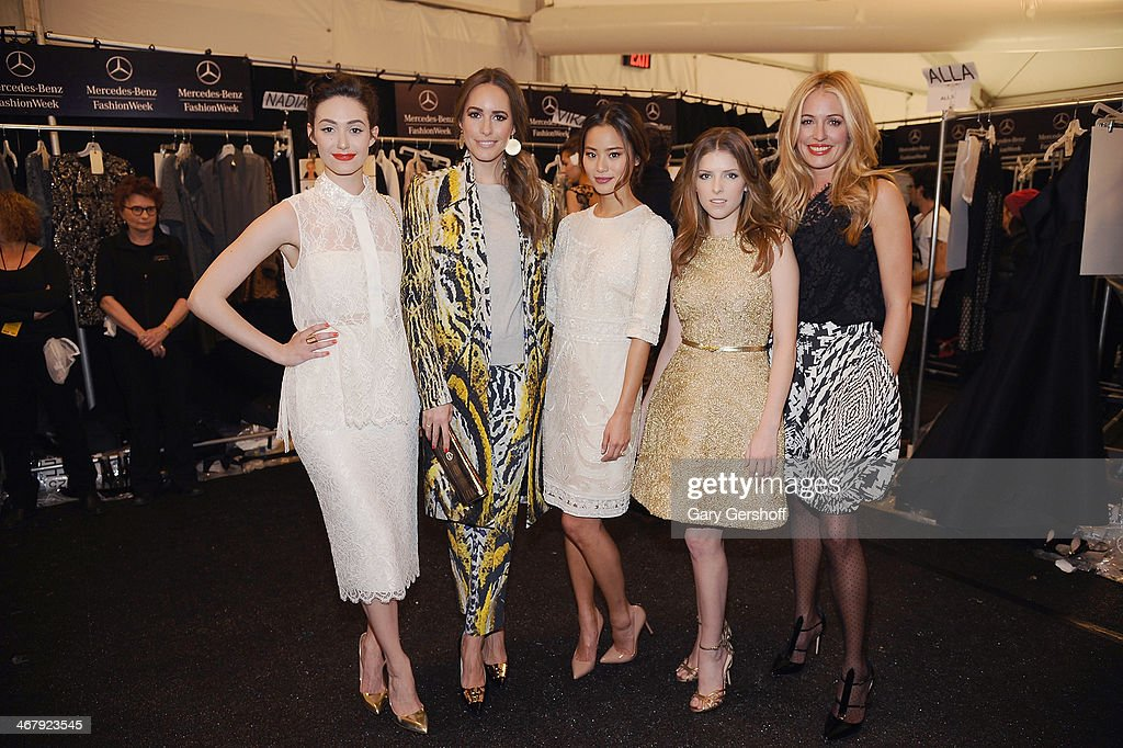<a gi-track='captionPersonalityLinkClicked' href=/galleries/search?phrase=Emmy+Rossum&family=editorial&specificpeople=202563 ng-click='$event.stopPropagation()'>Emmy Rossum</a>, <a gi-track='captionPersonalityLinkClicked' href=/galleries/search?phrase=Louise+Roe&family=editorial&specificpeople=4300958 ng-click='$event.stopPropagation()'>Louise Roe</a>, <a gi-track='captionPersonalityLinkClicked' href=/galleries/search?phrase=Jamie+Chung&family=editorial&specificpeople=4145549 ng-click='$event.stopPropagation()'>Jamie Chung</a>, <a gi-track='captionPersonalityLinkClicked' href=/galleries/search?phrase=Anna+Kendrick&family=editorial&specificpeople=3244893 ng-click='$event.stopPropagation()'>Anna Kendrick</a> and <a gi-track='captionPersonalityLinkClicked' href=/galleries/search?phrase=Cat+Deeley&family=editorial&specificpeople=202554 ng-click='$event.stopPropagation()'>Cat Deeley</a> pose backstage at the Monique Lhuillier show during Mercedes-Benz Fashion Week Fall 2014 at The Theatre at Lincoln Center on February 8, 2014 in New York City.