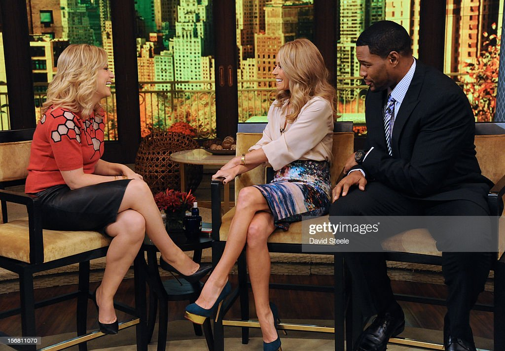 "MICHAEL -11/20/12 - Emmy-nominated actress AMY POEHLER chats about the series ""Parks and Recreation"" on the newly-rechristened syndicated talk show, LIVE with Kelly and Michael,' distributed by Disney-ABC Domestic Television. STRAHAN"