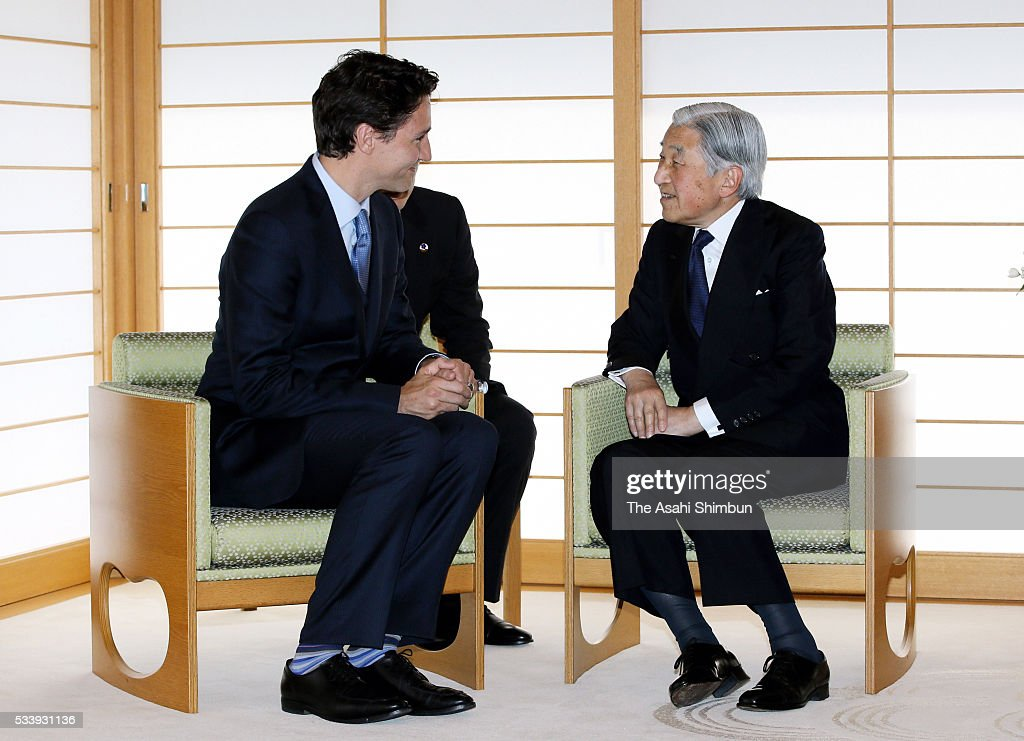 <a gi-track='captionPersonalityLinkClicked' href=/galleries/search?phrase=Emperor+Akihito&family=editorial&specificpeople=14011468 ng-click='$event.stopPropagation()'>Emperor Akihito</a> (R) and Canadian Prime Minister <a gi-track='captionPersonalityLinkClicked' href=/galleries/search?phrase=Justin+Trudeau&family=editorial&specificpeople=2616495 ng-click='$event.stopPropagation()'>Justin Trudeau</a> (L) talk during their meeting at the Imperial Palace on May 24, 2016 in Tokyo, Japan. The Group of Seven summit takes place on May 26 and 27.