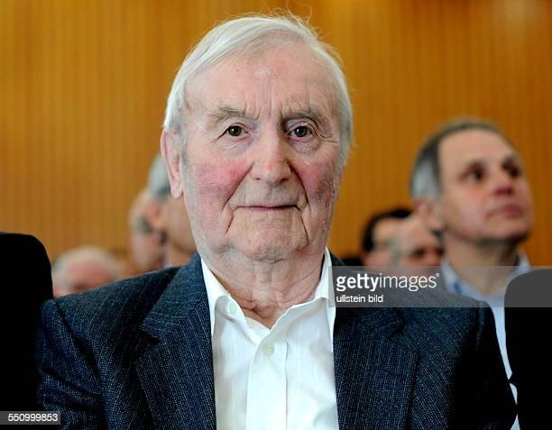 Empfang anlässlich des 60 Jahrestages des Qualifikationsspieles zur Fußballweltmeisterschaft zwischen der Auswahl des Saarlandes und der deutschen...