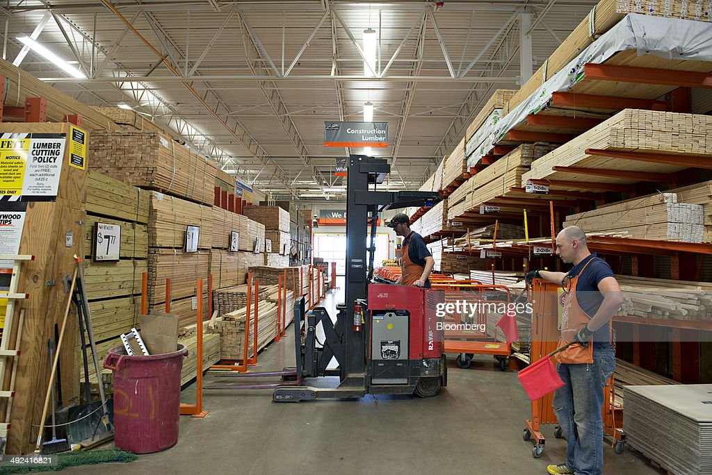 Inside a Home Depot Store Ahead of Earnings Figures Photos and ...