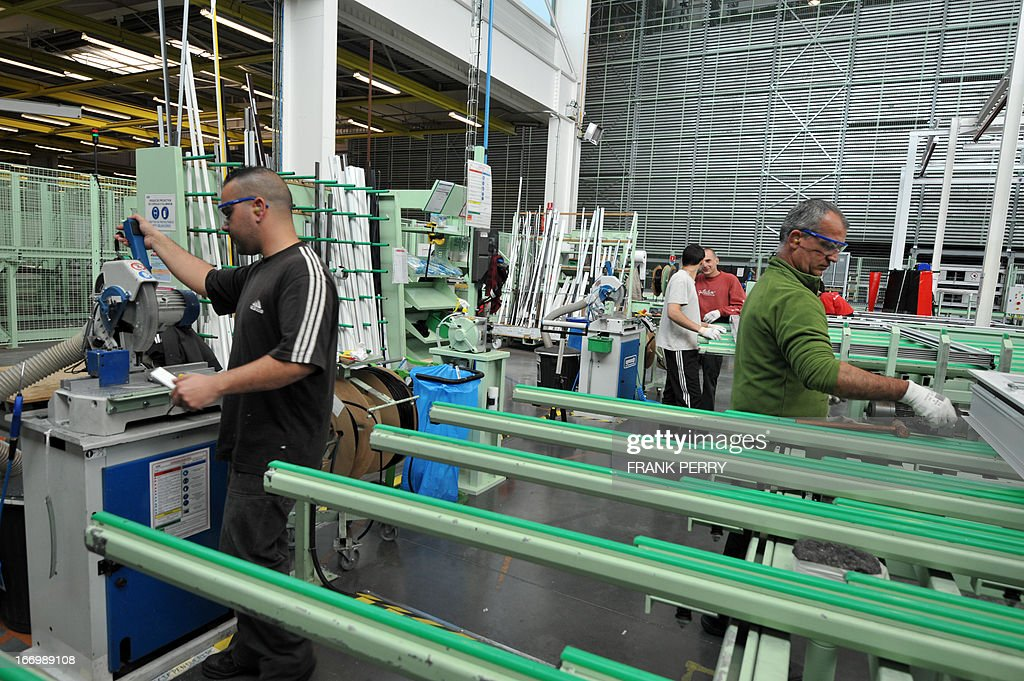 employees work at k line plant part of the liebot groupe. Black Bedroom Furniture Sets. Home Design Ideas