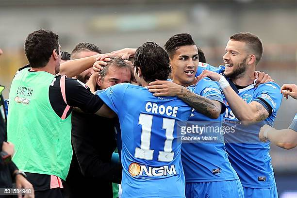 Empoli FC players celebrate a goal scored by Massimo Maccarone during the Serie A match between Empoli FC and Torino FC at Stadio Carlo Castellani on...