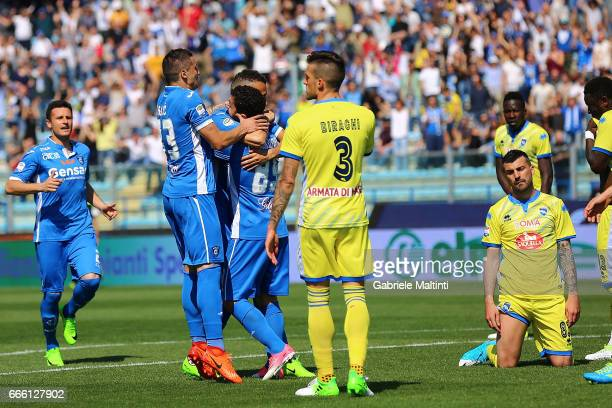 Empoli FC players celebrate a goal scored by Omar El Kaddouri during the Serie A match between Empoli FC and Pescara Calcio at Stadio Carlo...