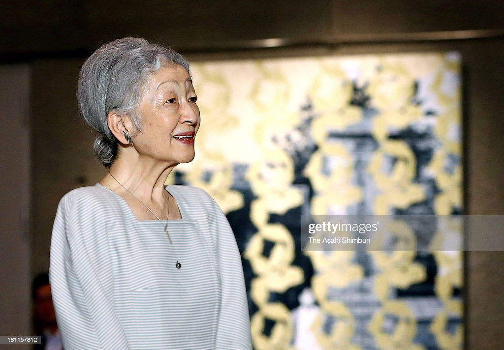 <a gi-track='captionPersonalityLinkClicked' href=/galleries/search?phrase=Empress+Michiko&family=editorial&specificpeople=158725 ng-click='$event.stopPropagation()'>Empress Michiko</a> visits the contemporary art exhibition 'Miran Fukuda' at Tokyo Metropoitan Art Museum on September 18, 2013 in Tokyo, Japan.