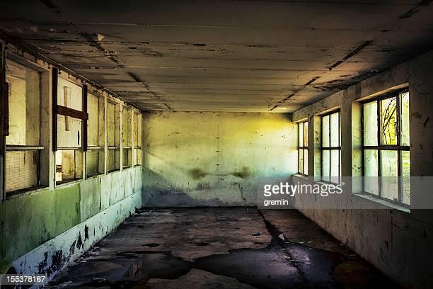 Vide Salle abandonnée