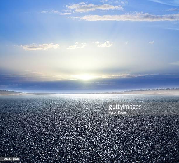 Empty asphalt road and horizon