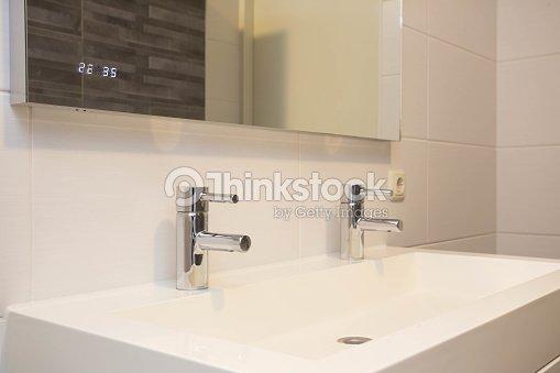 Leere Badezimmer Waschbecken Modernen Stil Stock-Foto   Thinkstock