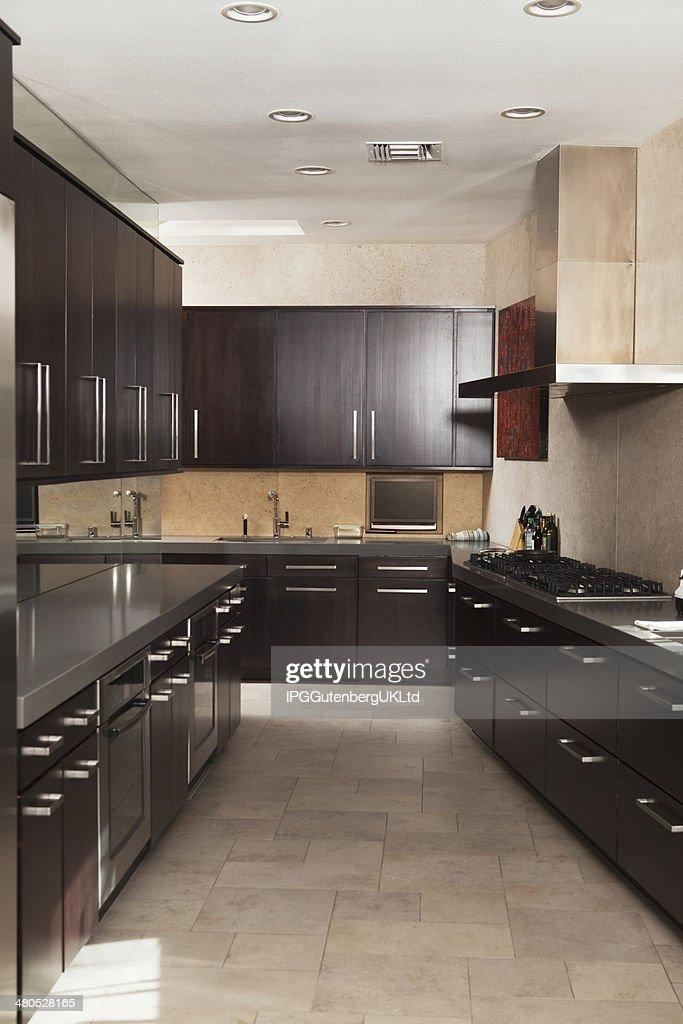 Empty Commercial Kitchen : Bildbanksbilder