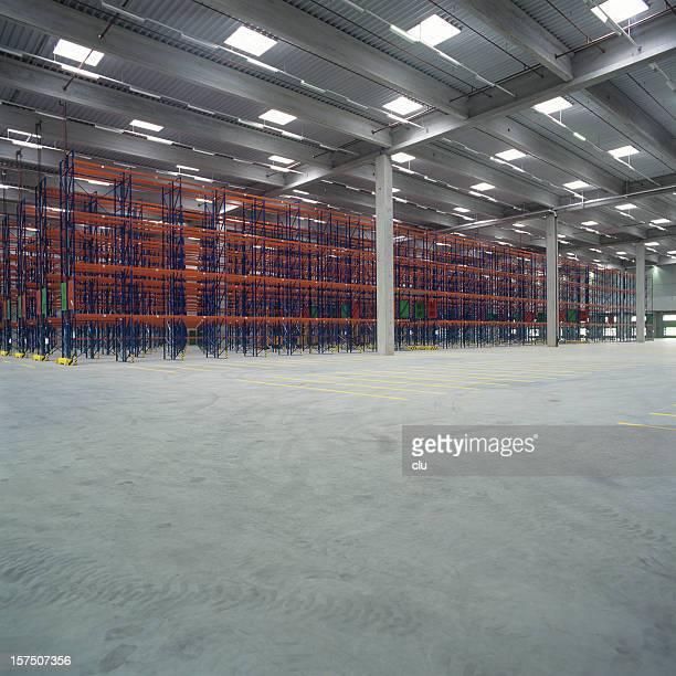 Empty high rack storage