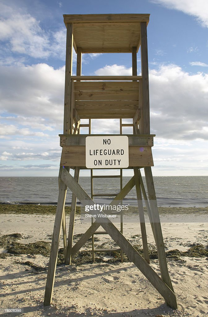 Empty lifeguard tower : Stock Photo