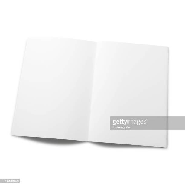 空の雑誌のページ