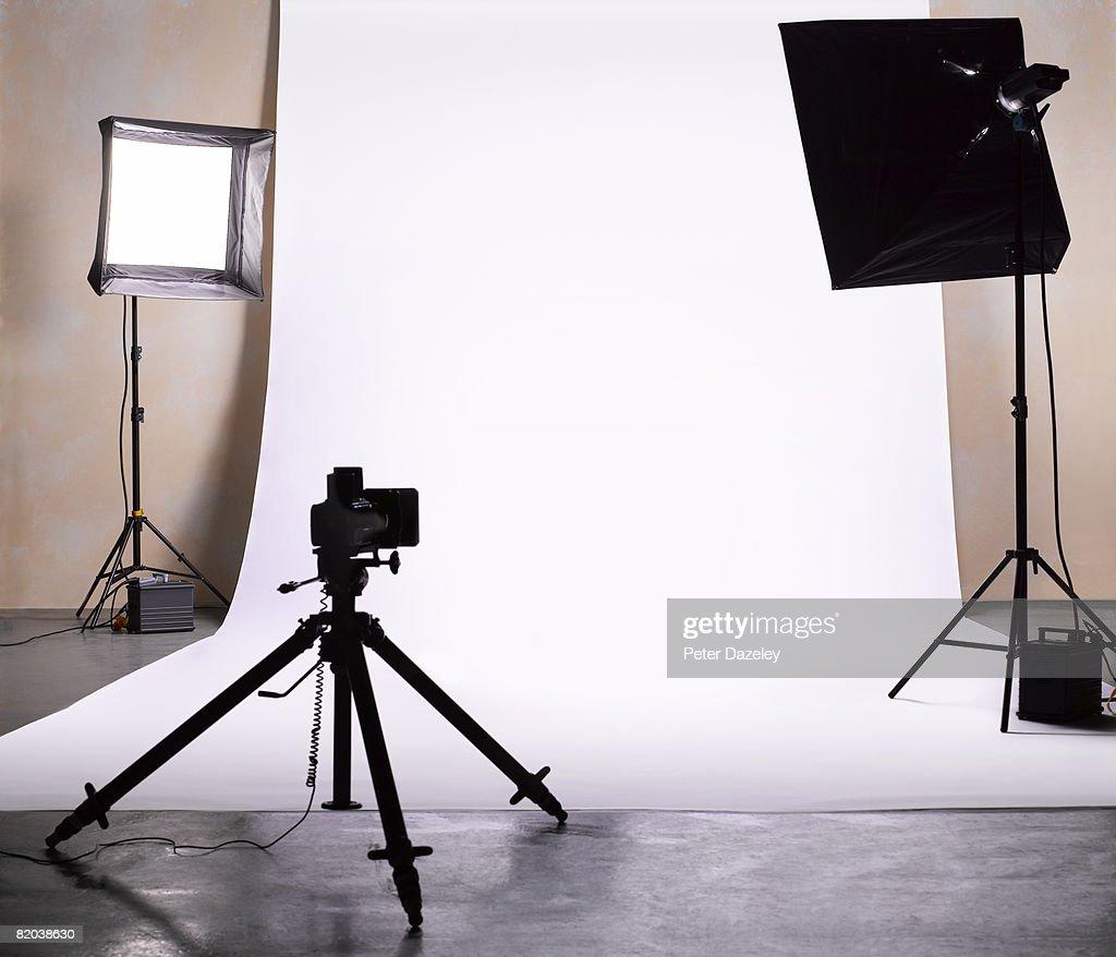 Empty photographic studio ready for shoot.  : ストックフォト
